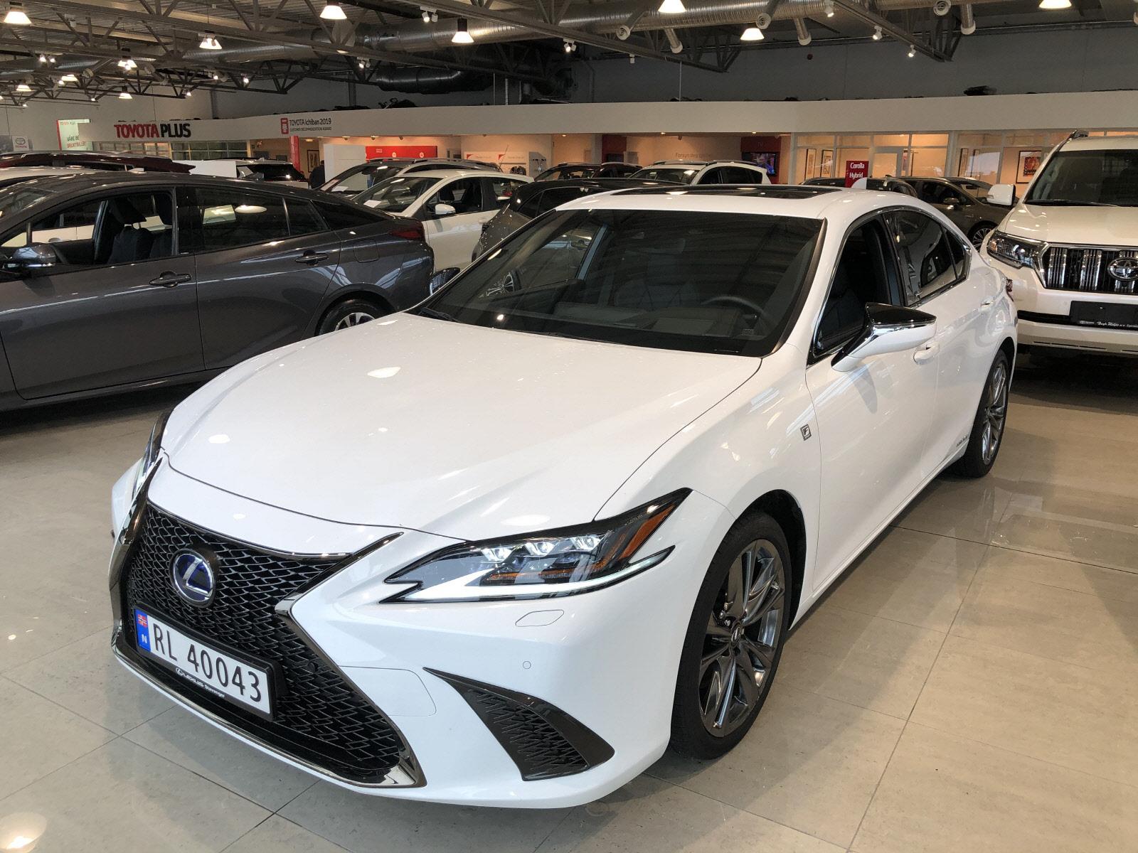2019 Lexus ES 300h F Sport S